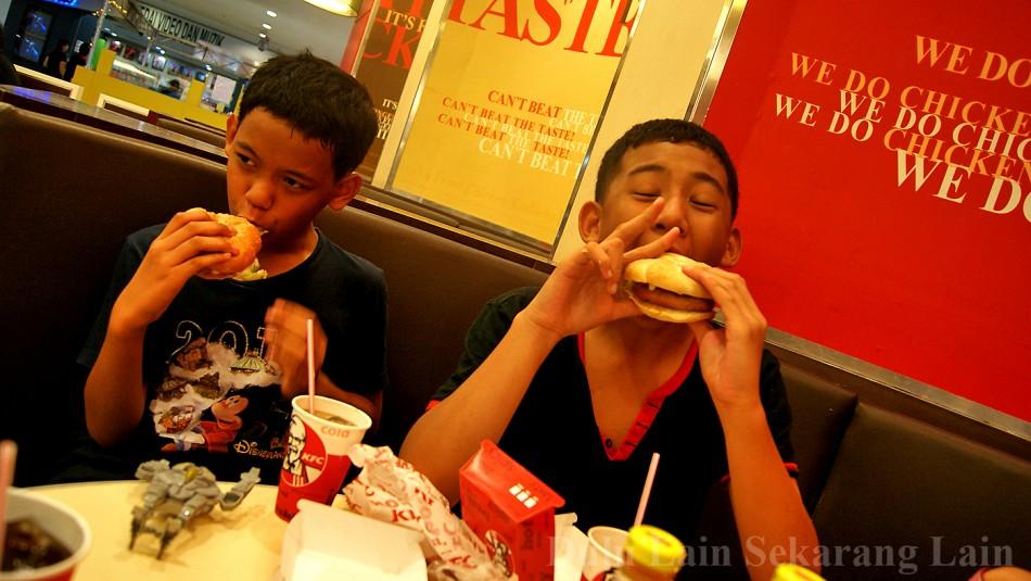 KFC Kentucky-Fried-Chicken-5