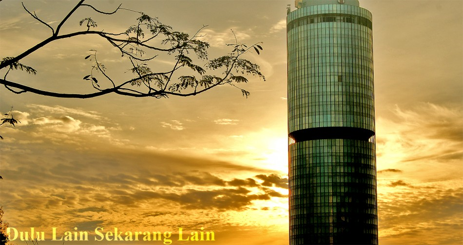 Ray of Sunset Menara-Tun-Mustapha-2