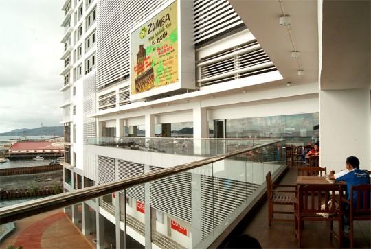 food court suria sabah 540x363 Makan Rojak Buah Di Suria Sabah