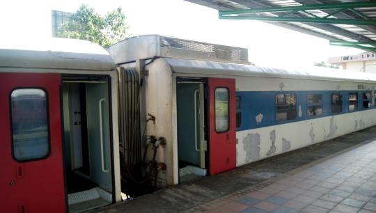Sabah-Train-Side