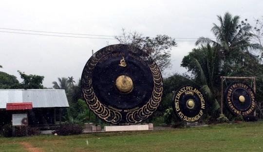 Melawat 'Soludon', Gong Terbesar di Dunia Di Kampung Sumangkap