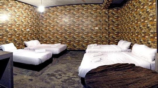 HS Farmstay hotel room